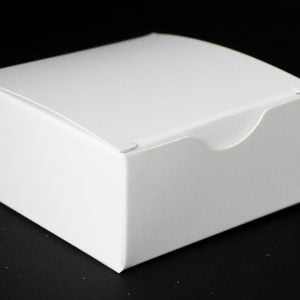 White gift box 75mm(W) x 75mm(D) x 35mm(H) made from a 380gsm White folding box board.